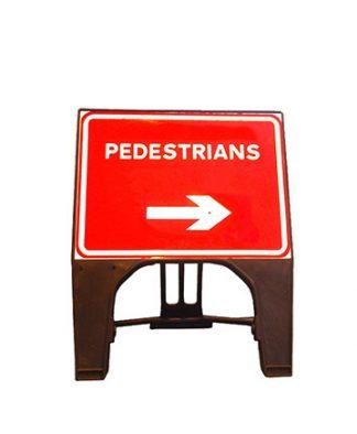 Q Sign Dia 7018 Pedestrian Arrow Right Sign